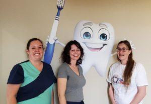 Litz Kidz Dental Assistants Laura Amber and Lindsay